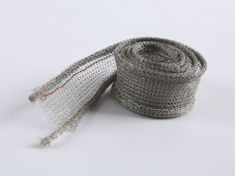 A roll of knitted mesh gasket in double round structure.